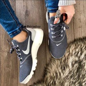 NWT Nike presto Grey